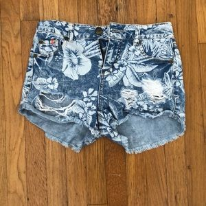 Hawaiian patterned shorts from Tilly's